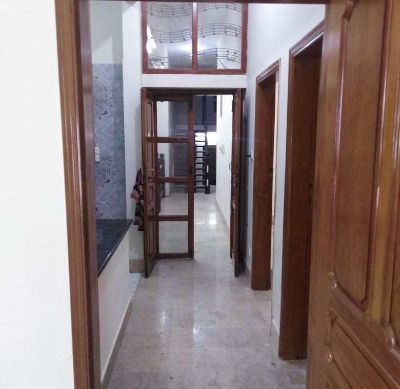 400yd Bungalow for Sale
